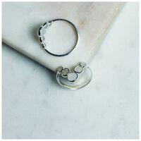 Moonstone V-Shape Ring -  milk-silver