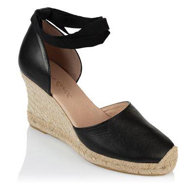 Rare Earth Chiara Wedge Heel