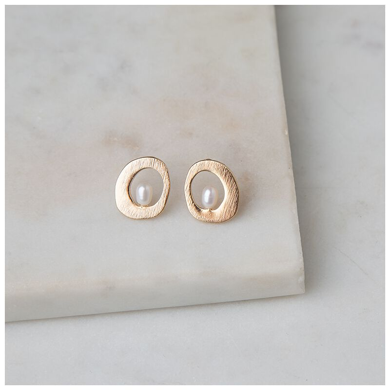 Freshwater Pearl Organic Circle Stud Earrings -  gold-cream